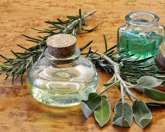 Гидрофильное масло для умывания и снятия макияжа с эфирным маслом розмарина для жирной и проблемной кожи- купить в интернет магазине натуральной косметики ручной работы Envie.com.ua